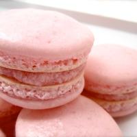 Macarons with Strawberry Frosting